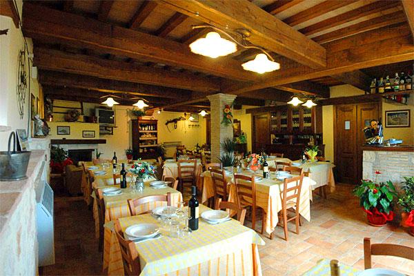 restaurant castelluccio locanda senari